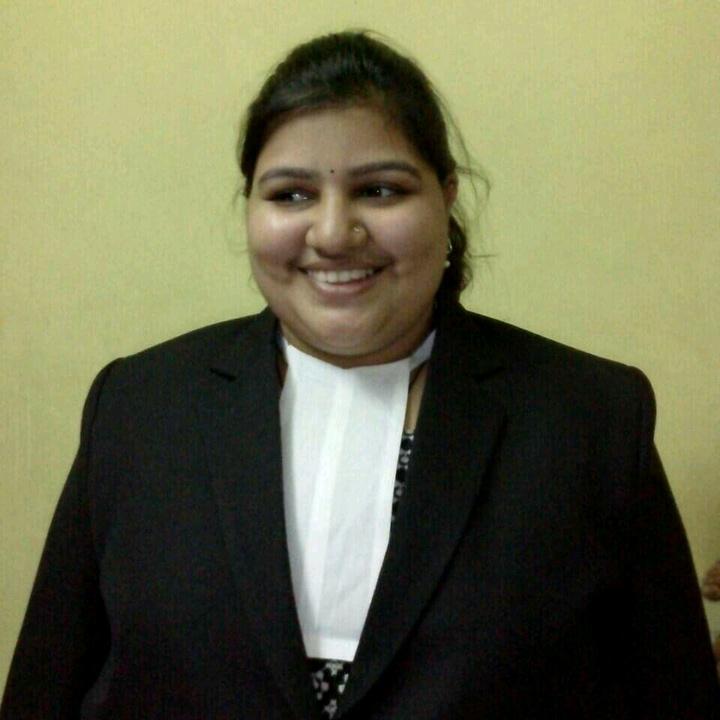 Advocate Sayali -advsayali