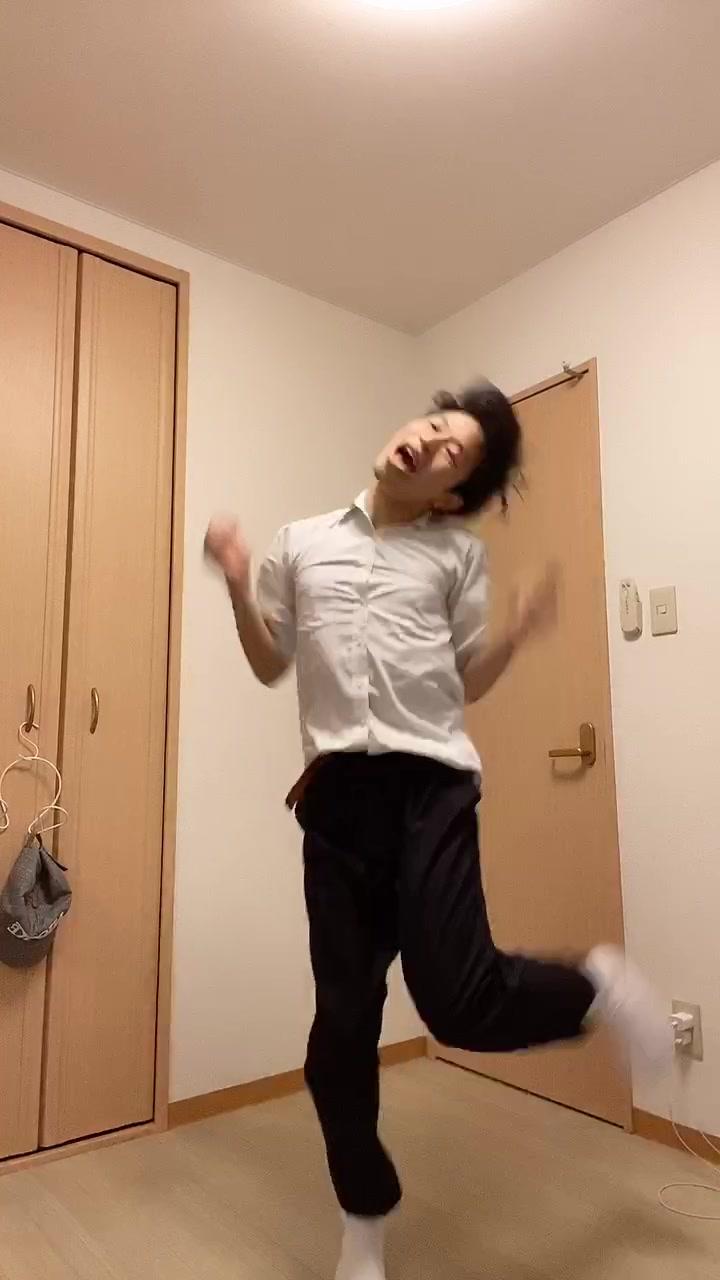Tiktok 縄跳び ダンス